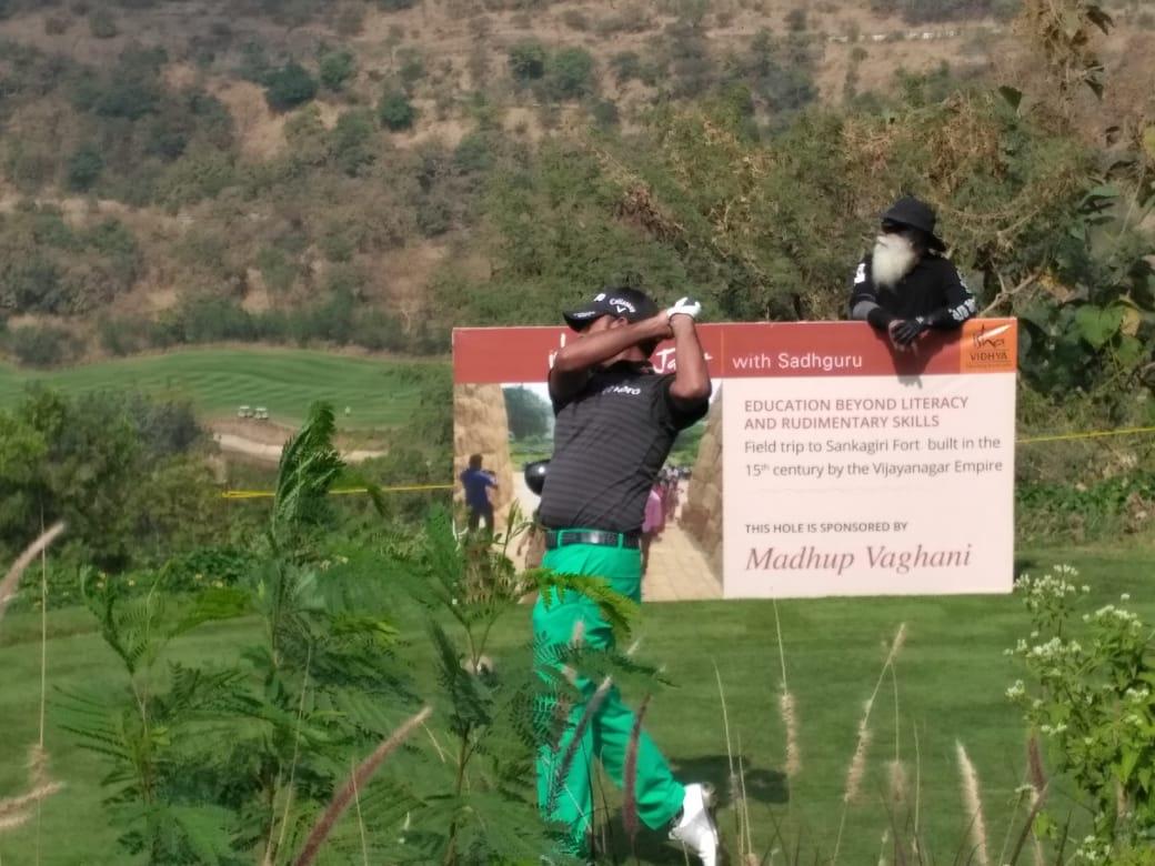 SADHGURU est également passioné de golf